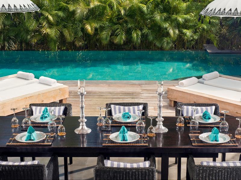 Villa Maya Retreat - Mesa de jantar pronto para o almoço