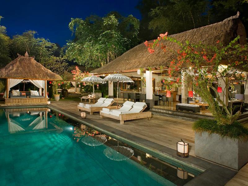 Villa Maya Retreat - Pool at night