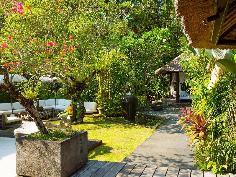 Villa Maya Retreat - área de estar fora e jardim