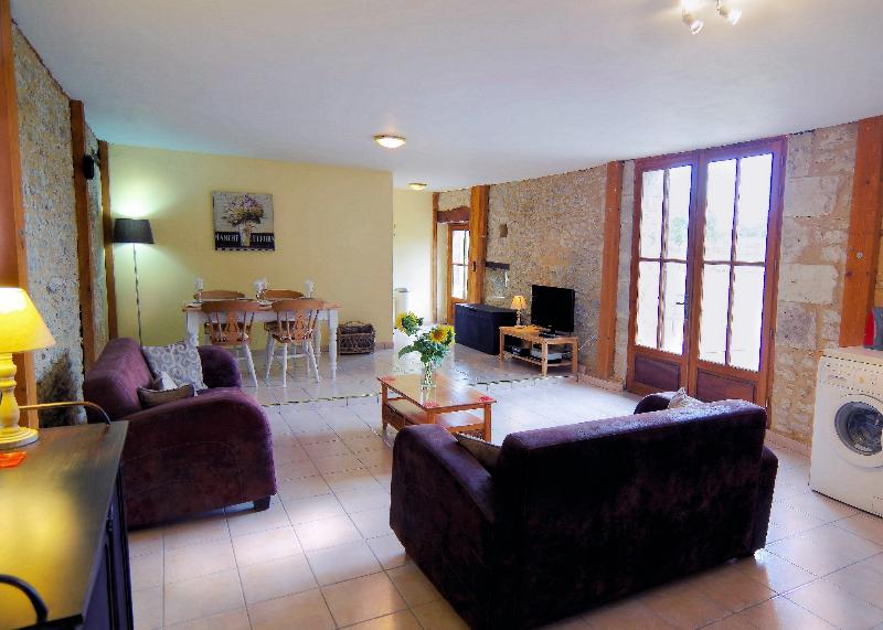 Gites South West France Les Tournesols, holiday rental in Peyriere