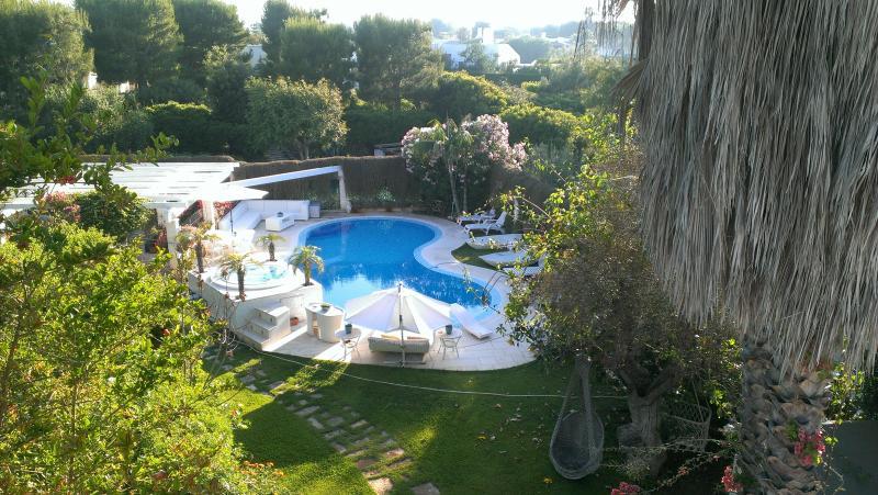 Villa Rosamarina con Piscina al mare,Ostuni,Puglia,Italy, holiday rental in Marina Di Ostuni