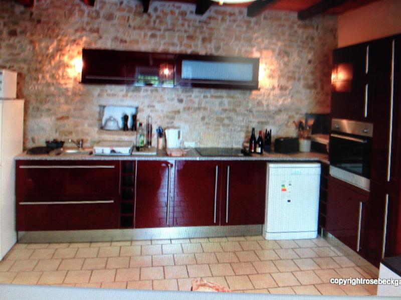 Vendee Holiday Home, holiday rental in La Caillere-Saint-Hilaire