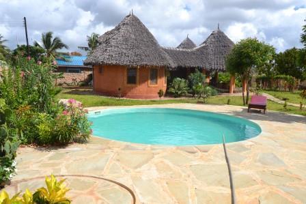 Villa Mbizo uniquely build  Swahili / Masai style, holiday rental in Tiwi