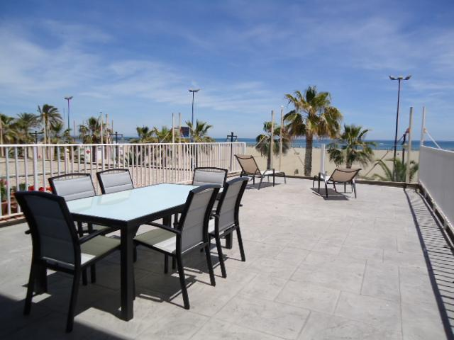 Malvarrosa I with fantastic terrace and see view, holiday rental in Valencia