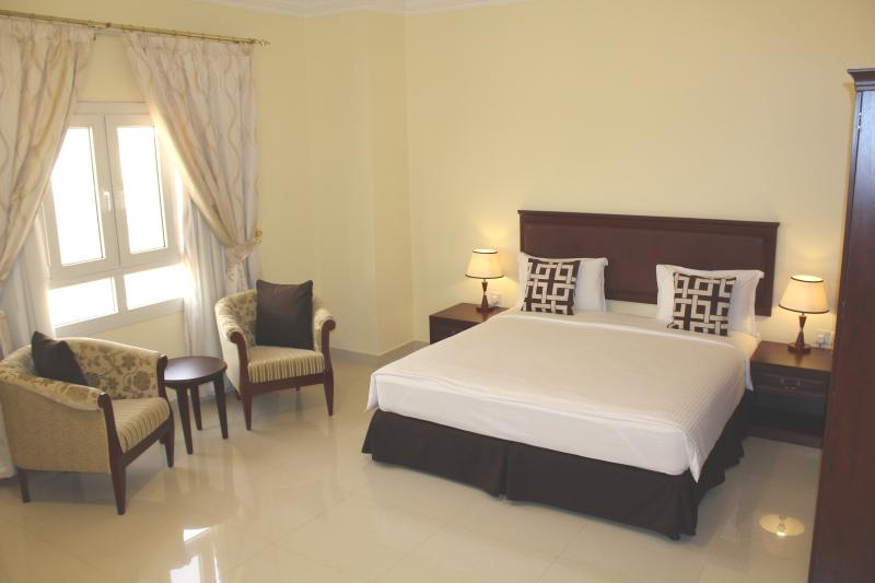 Spacious 2 Bedroom Apartment offering a king and a twin bedroom, 2 bathrooms, kitchen & living room