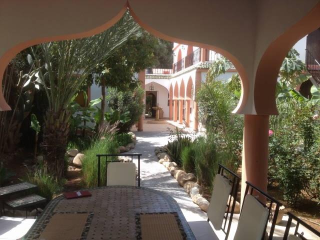 LE PALAIS DES BERBERS VILLA AVEC JARDIN ET PISCINE, vacation rental in Ait Iaaza