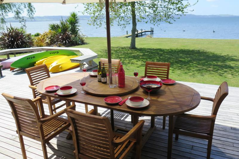 Absolute lakeside accommodation for up to 8 guests in 4 Bedrooms with 4 en-suite bathrooms.