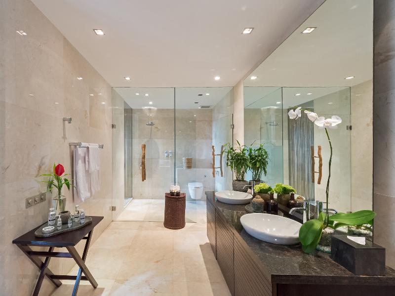 Eshara III - Bathroom