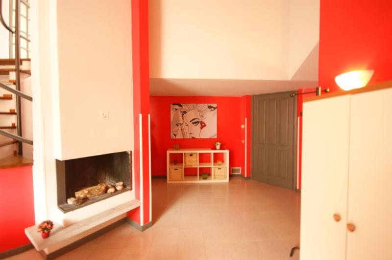 Apartments Cortile Medievale A2 in center Cannobio, holiday rental in Cannobio