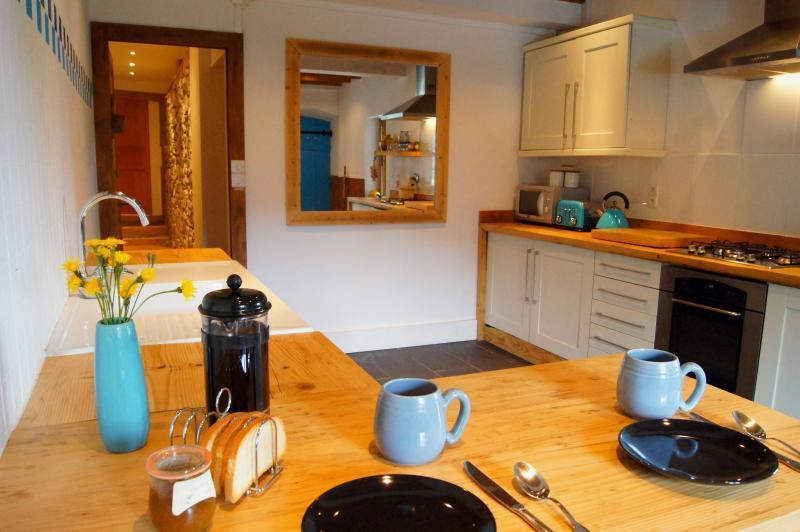 La Maison - light and spacious kitchen