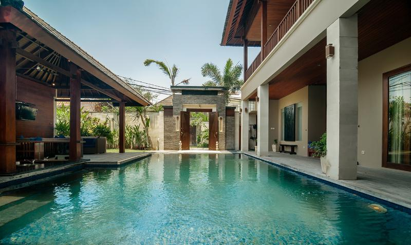Large private pool for your relaxation with sunken pool bar, perfect  for late afternoon cocktails!
