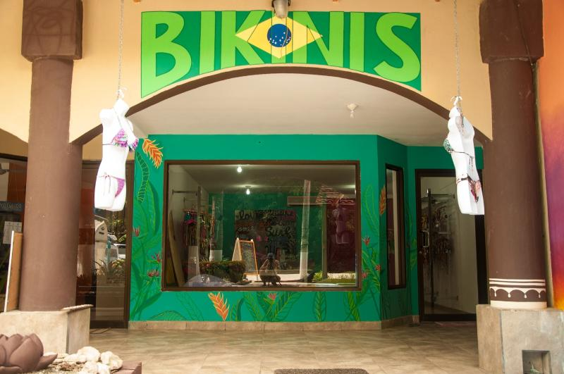 One of the shops in Plaza Royal. Great Bikinis!
