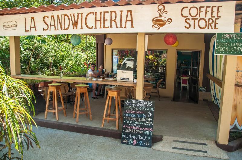 La Sandwicheria Cafe. Breakfast and Lunch