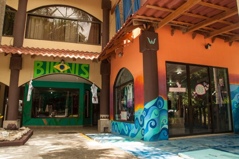 Two of the shops in Plaza Royal. Great Bikinis!   Swell has custom clothing and jewelry, and more