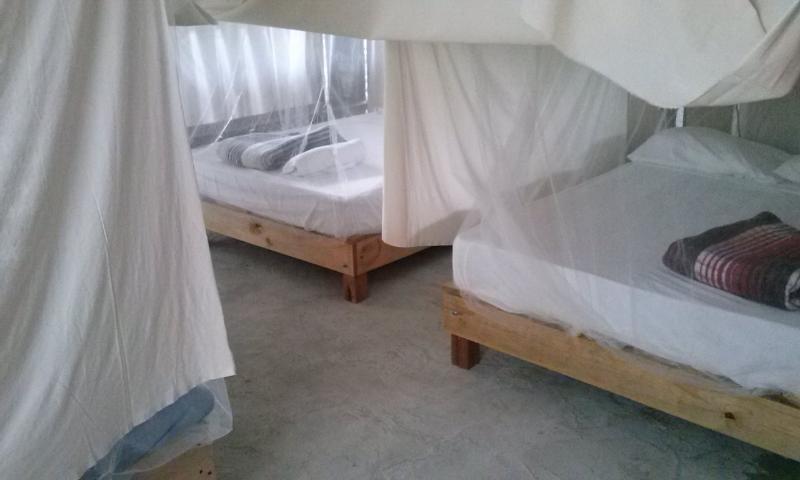 Interior de Cabaña de Ceiba