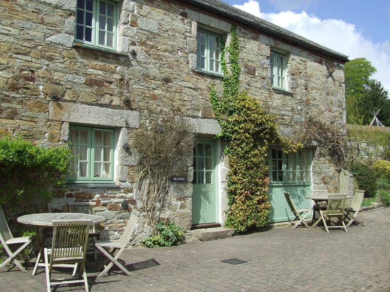 Glynn Barton Cottages Mill House., holiday rental in Two Waters Foot