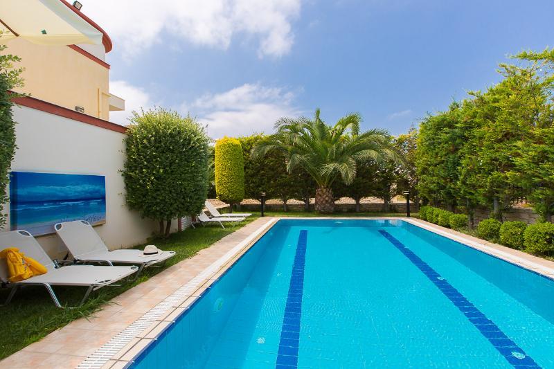 32 m2 piscina privada!