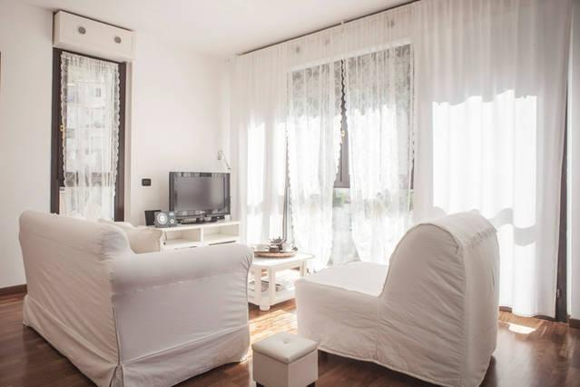 Casa Ada romantic and bright flat in Lecco, vacation rental in Province of Lecco