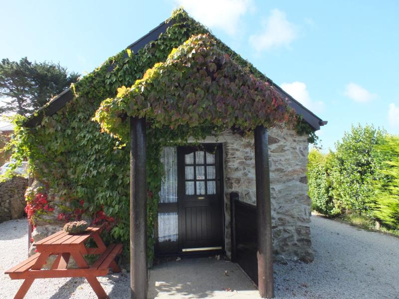 Babes - a converted barn in glorious countryside, Ferienwohnung in Perranporth