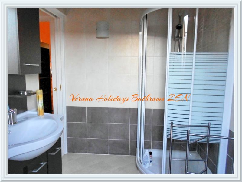 Arena Holidays Zen apartment bath room