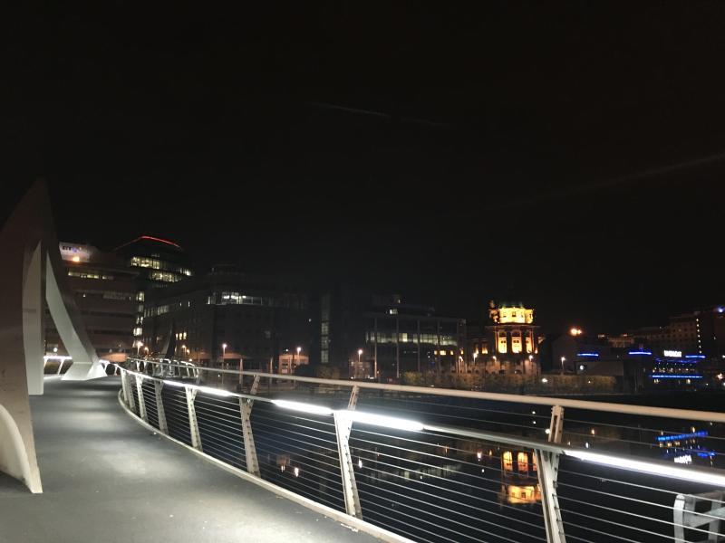 Tradeston walking bridge @night