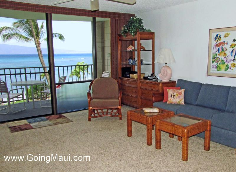 Direct Oceanfront Studio Unit 307 -Valley Isle Resort, alquiler de vacaciones en Lahaina