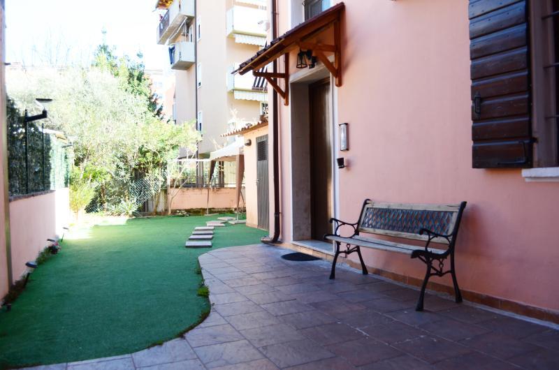 Arena Holidays Zen apartment garden