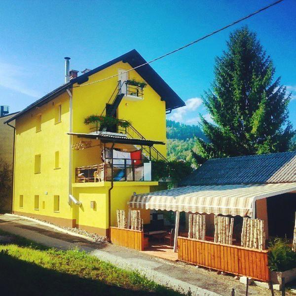 Apartment-hotel Rozica, holiday rental in Idrija