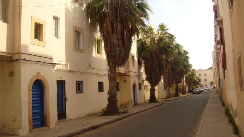 de straat van het appartement