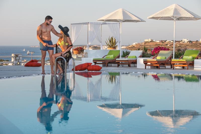 Blue mare Villas-Villa Almira, holiday rental in Naoussa