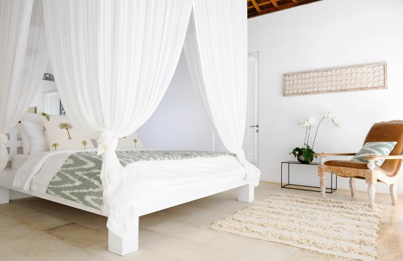 Room 5: Master Bedroom with King Size Bed