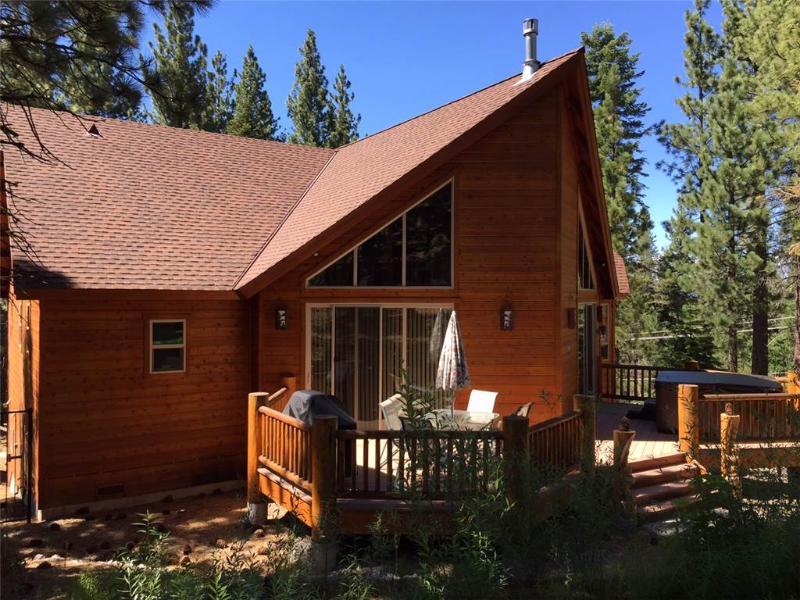 Building,Cabin,Shelter,Furniture,Dining Room