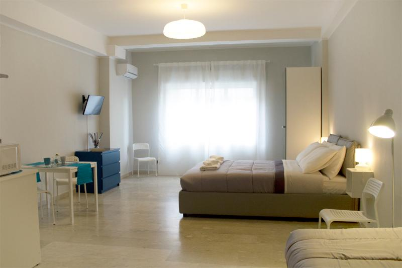 Cairoli Guest House, holiday rental in Messina