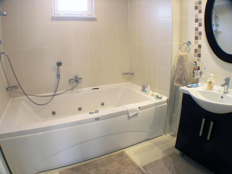 En amplios-baño