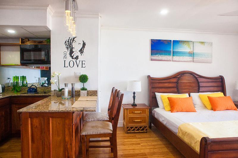 Updated 2019 Ocean Front Modern Luxury Condo Montego Bay