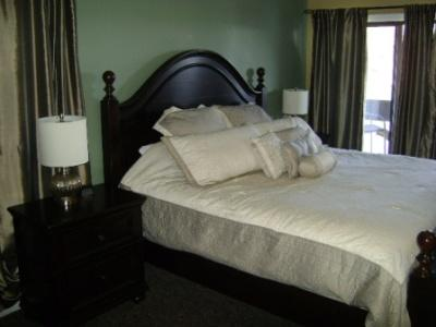 Knolls 711 Master Bedroom