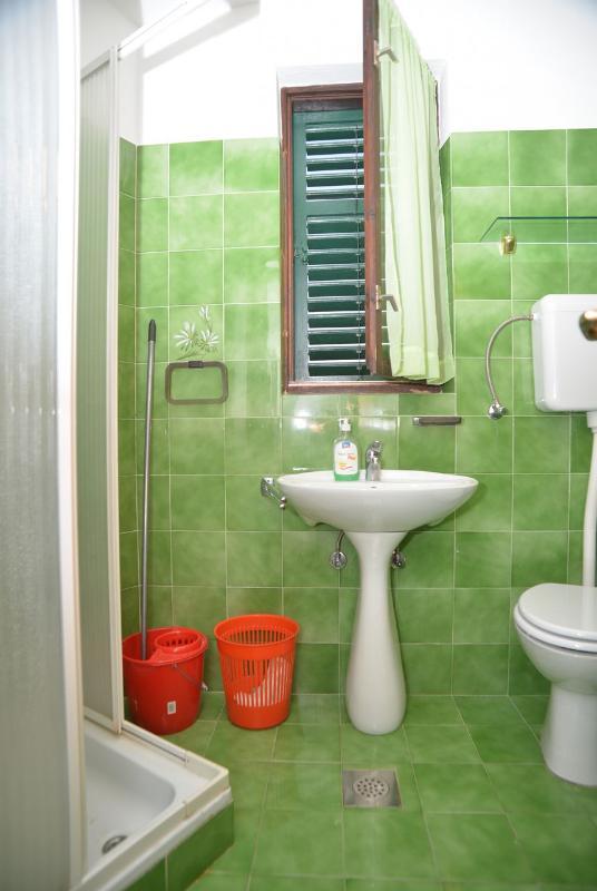 A5 (2 + 2): bagno con wc