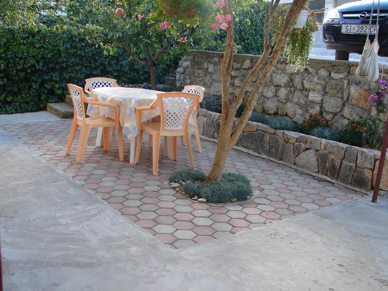 A3 Prizemlje (2+1): garden terrace