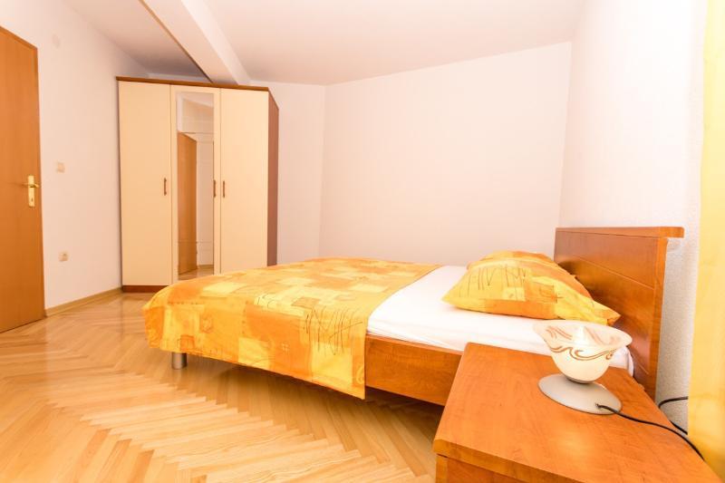 Lero1(4+2): bedroom