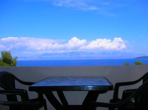 A2(4+1): balcony view