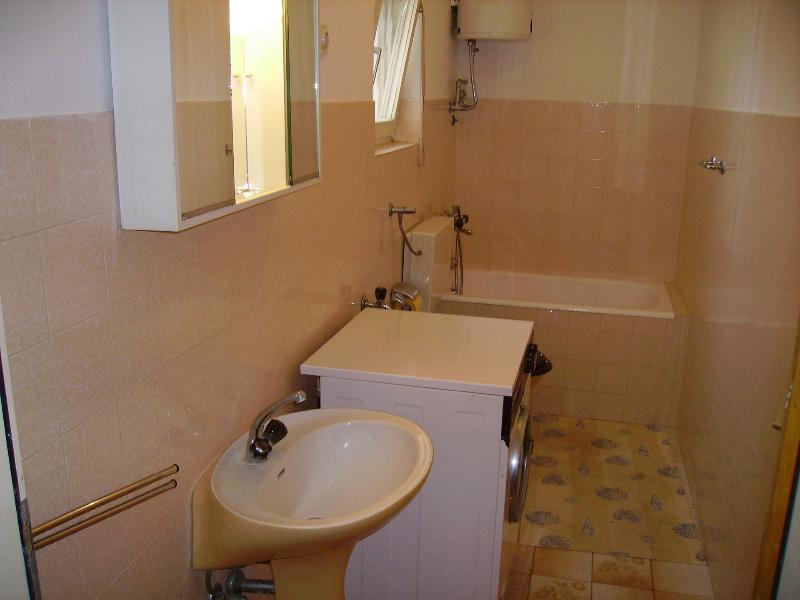 A1 (5): bagno con wc