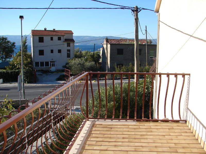 terrace view (house and surroundings)