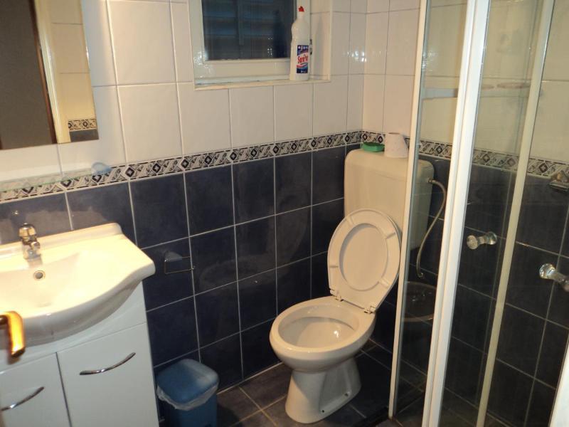 SA5 (3): bagno con wc