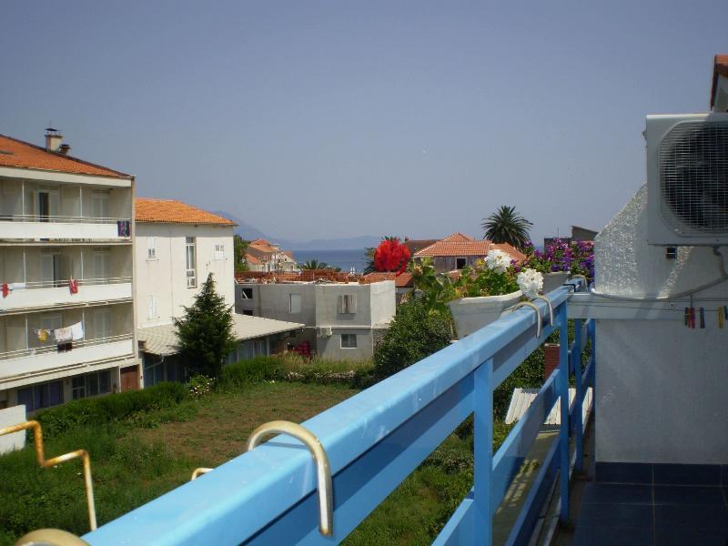 SA13(3): balcony view
