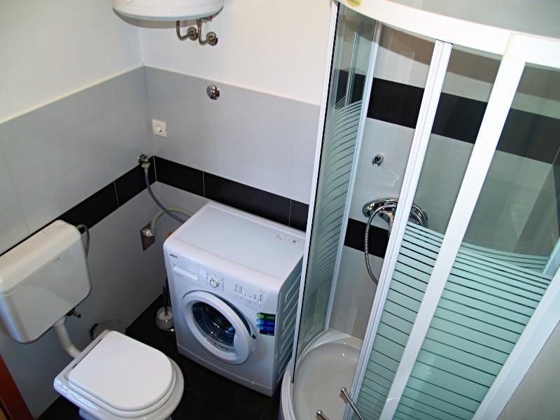 A2 (4 + 2): salle de bain avec toilette
