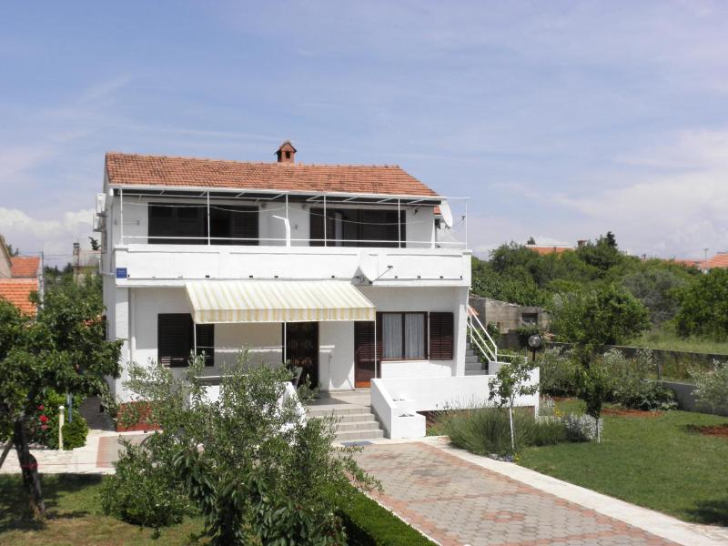 Kuce - 150m from the beach with parking: SA2(2) - Susica, vacation rental in Susica