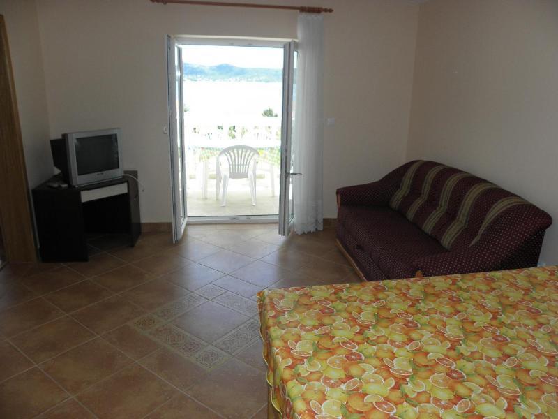 A3 (5 + 3): Wohnzimmer