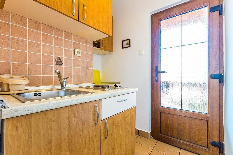 SA2(2): kitchen