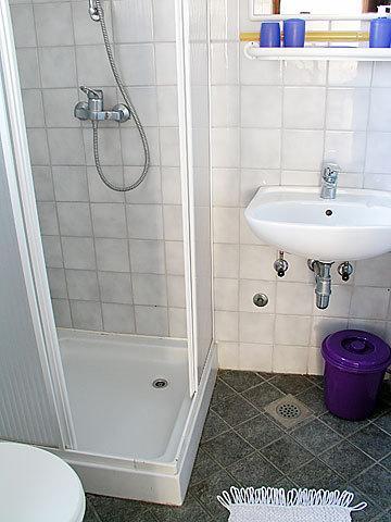 A2 (2 + 3): salle de bain avec toilette