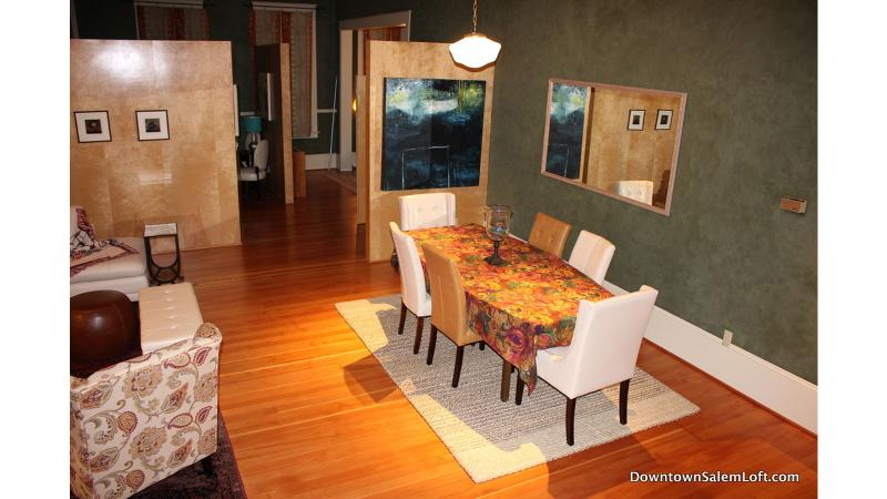 Large dining table that seats 6 to 8 quests